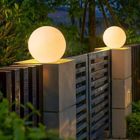 White Cylindrical Outdoor Lighting Garden Wall Post Light Lamps