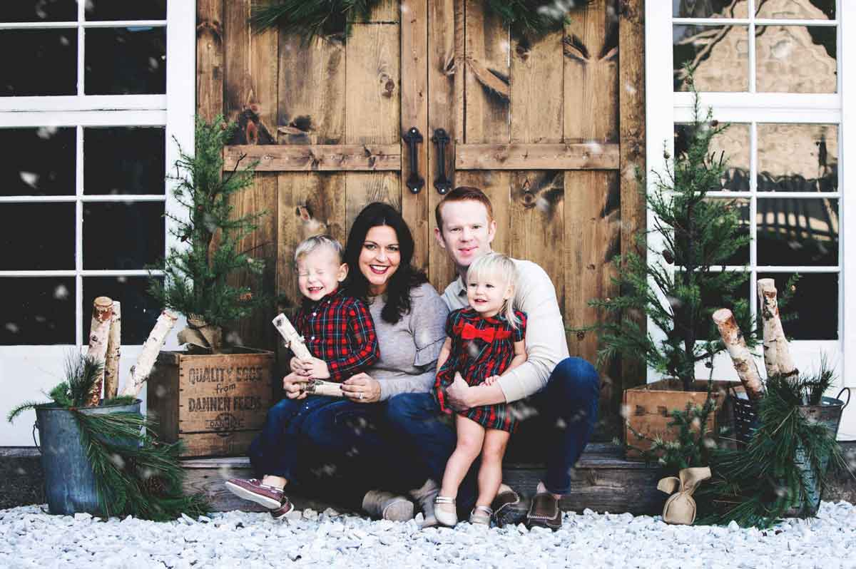 Hari Om Hemp founders Leigh and Dustin Carr with their two children