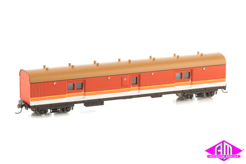 LHO Passenger Brake Van 1621 Candy with Navy Roof