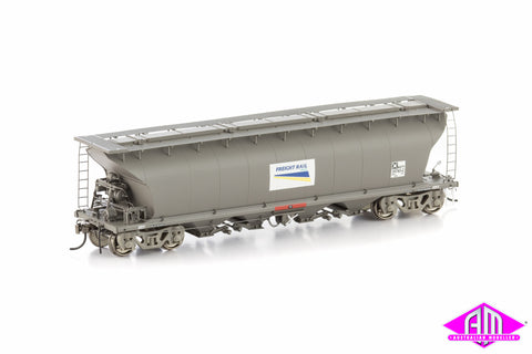 NGTY Grain Hopper, Freight Rail Grain Weathered Grey with Roof Walks, 4 Car Pack NGH-6