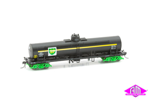 TULLOCH 10,000 Gallon Rail Tank Cars 3 Pack 1970 Pack D