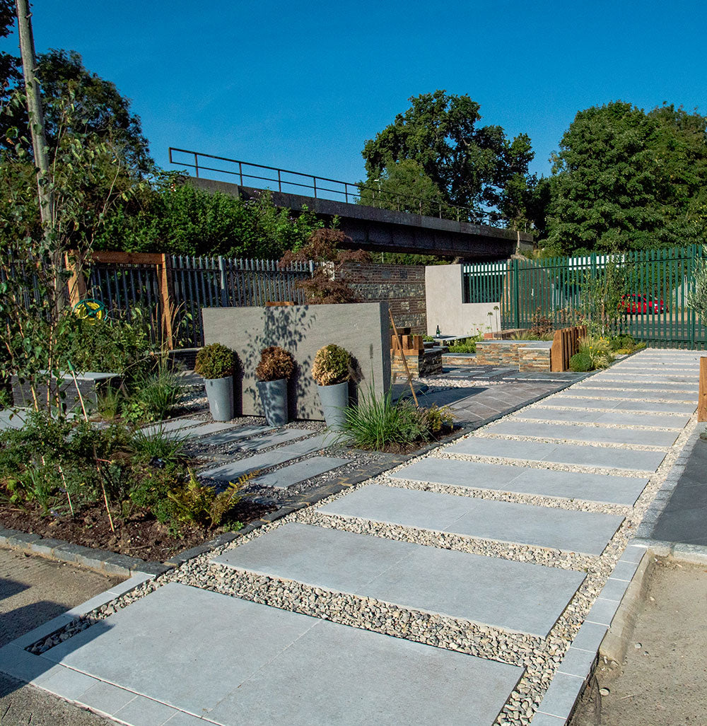 Trentino beige porcelain path with chippings