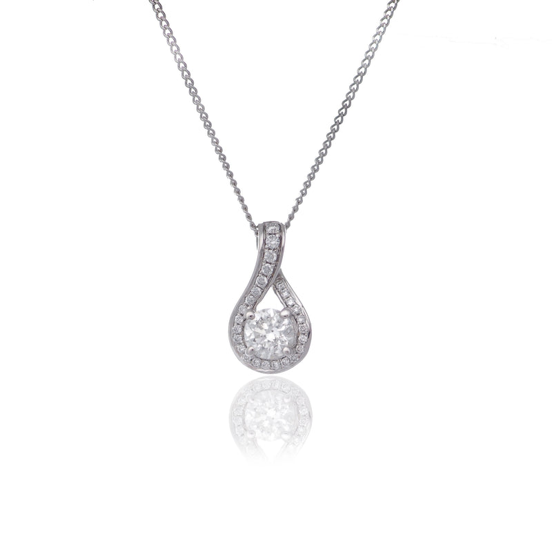 FANCY HALO DIAMOND NECKLACE