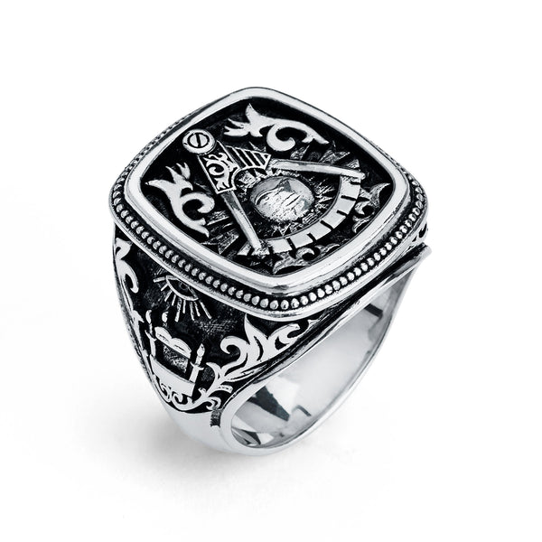 Past Master Ring, Gothic Cushion Design (XL)