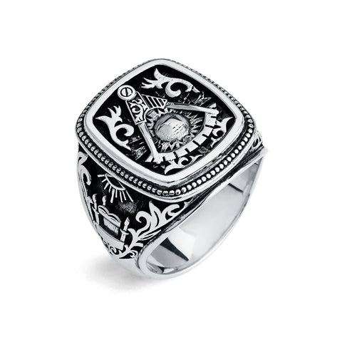 Past Master Ring, Gothic Cushion Design (L)