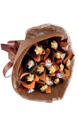 •	Hand bunch of 24 ferrero chocolate pieces.