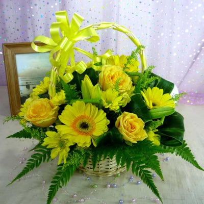 Basket of 15 Yellow Flowers (Gerbera and roses)