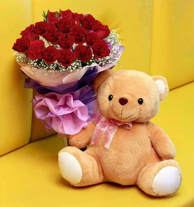 •	Bunch of 20 Stems of Red Roses wrapped with Cellophane packing.