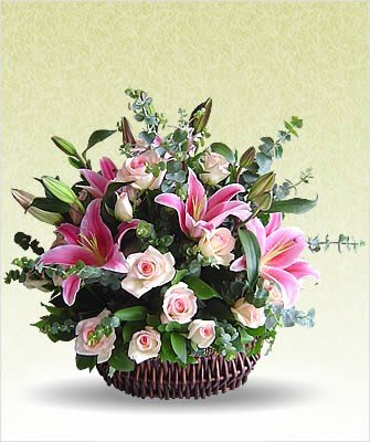 20 Mixed Flowers Basket (Incl Oriental Lilies and Roses)