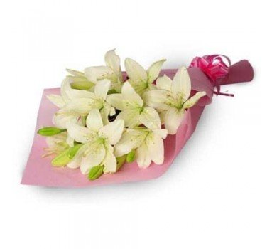 5 stem white lilies hand bunch.
