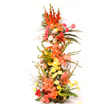 100 stalks mixed flowers like Roses, Pretty Carnation,Gladiolus and much more with dries decoration