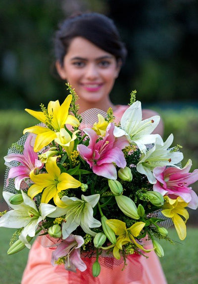 10 Stem Exotic Colorful Lilies bouquet
