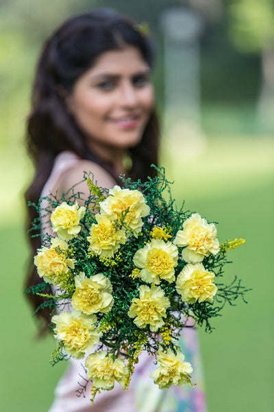 18 Yellow Carnations bouquet.