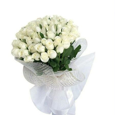 Bouquet of 40 delightful white roses