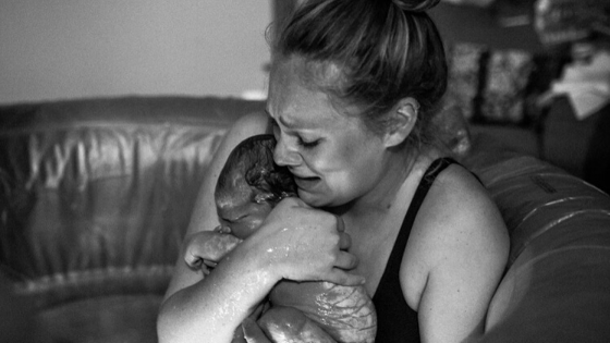 18 Emotional Photos of the Moment You First Felt Like a Mother