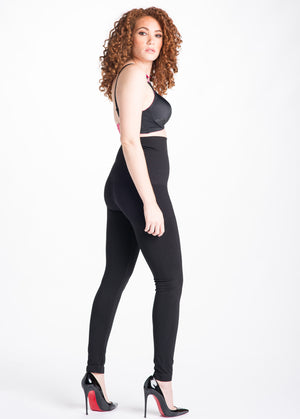 Side Shot of Snapbackå© Black Postpartum Leggings