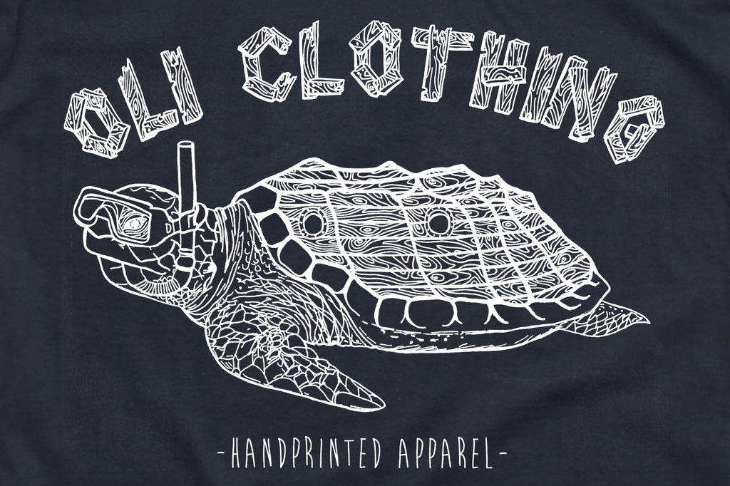 Turtle T - Navy - Oli.