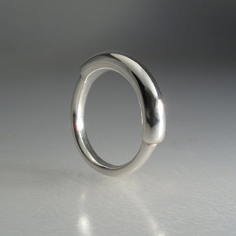 Loop Wedding Ring