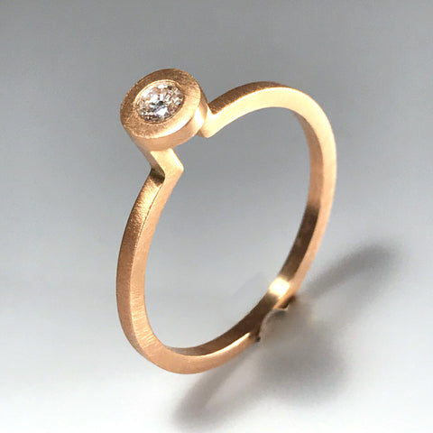 H0 Solitaire Ring