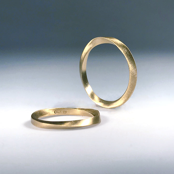 Mobius Wedding Ring