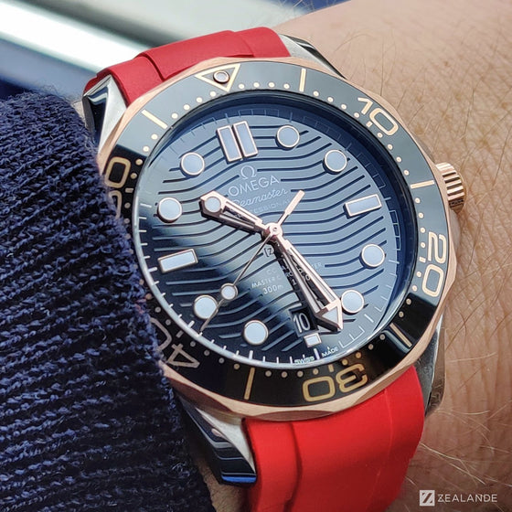 "RUBBER STRAP FOR OMEGA® SEAMASTER DIVER 300M CO-AXIAL 42MM BLACK CERAMIC STEEL ‑ GOLD ""SEDNA™"""