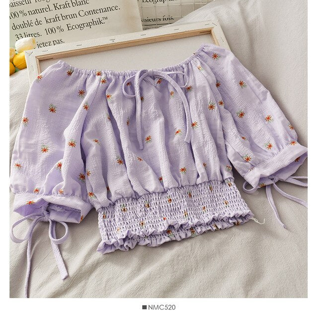 Crop Top Daisy Flower - IndieAesthetics