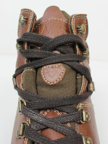 Men's Hiking Book Chestnut laces close up