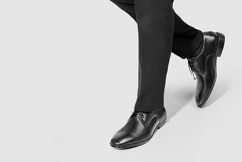 Plain Toe Shoe Black worn look