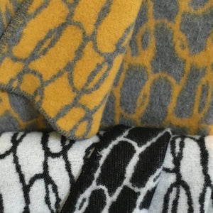 Icelandic Designed Wool Blanket - Loops Grey/Yellow - Norr