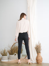 Load image into Gallery viewer, Fin Jeans Black
