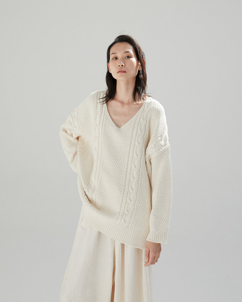 NATURAL CABLE KNIT JUMPER