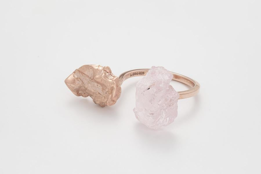 THE WILD FLOWER Ring with Lavender Quartz