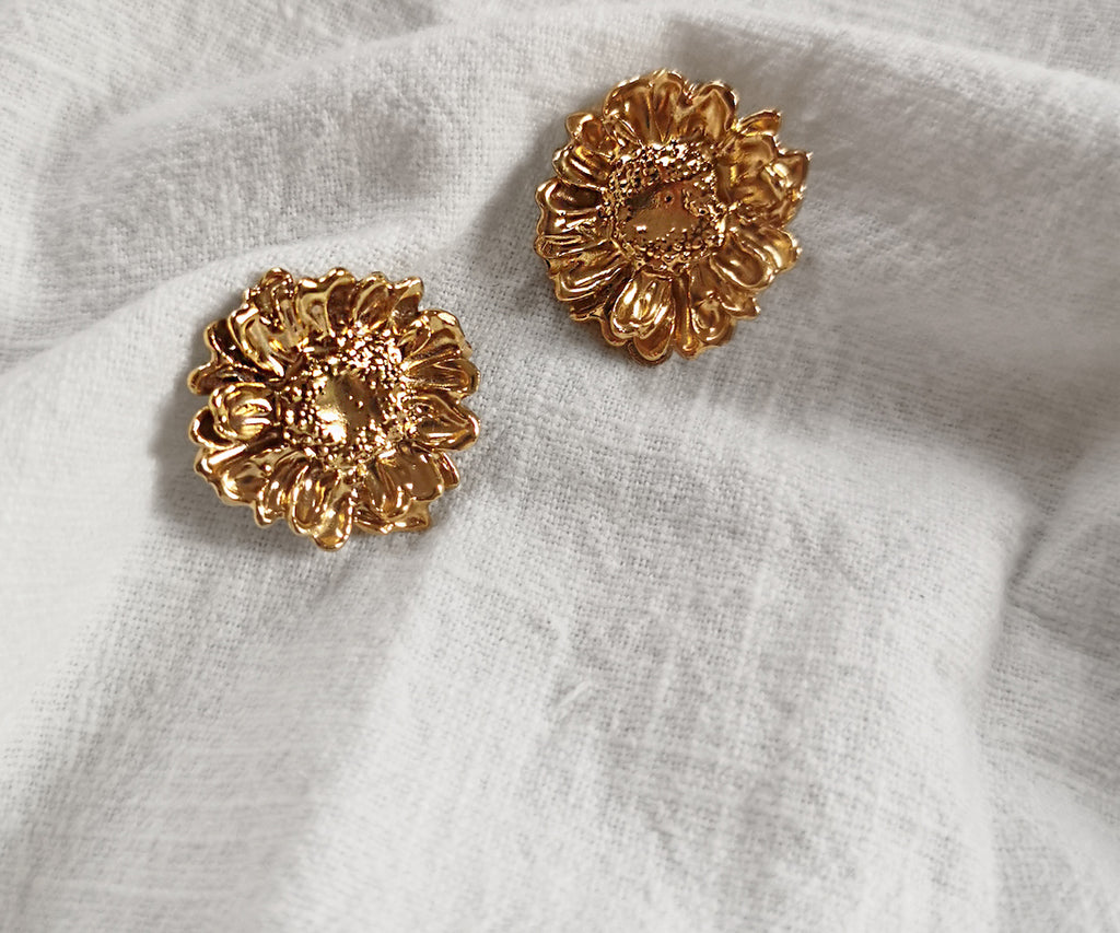 Melonne Earrings Gold