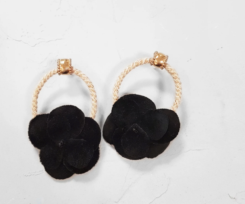 Neapoli Black Earrings
