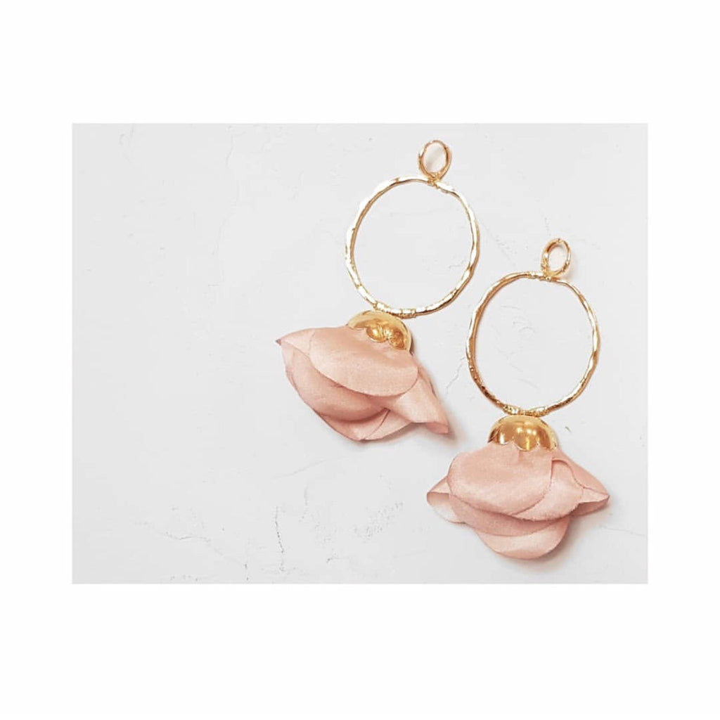 Natura earrings in Pink