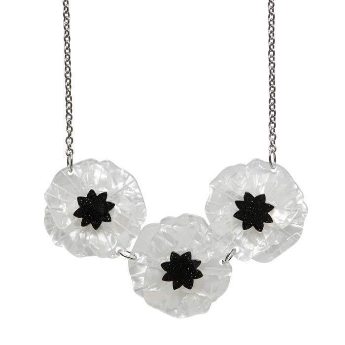 Poppy Field Necklace White