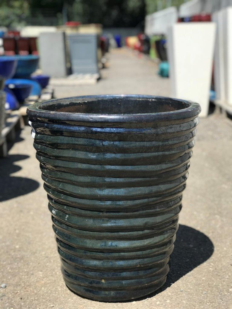 Glazed Wavy Crucible Pot Metal  Black