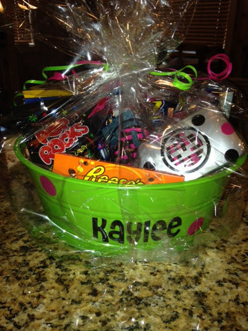 Personalized Candy Gift basket with Tumbler and Hairbrush