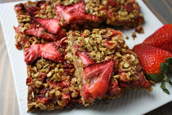 Stir Sweetener Strawberry Breakfast Bars plated