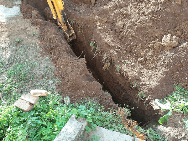 Main sewer pipe trench 02