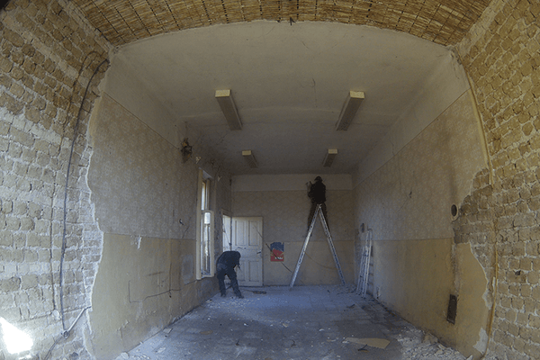 Removal of old plaster 01