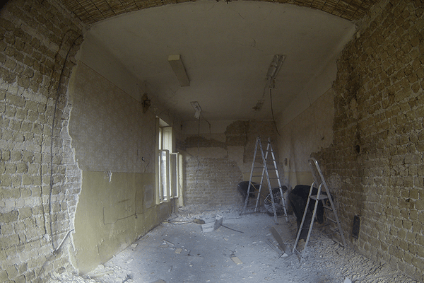 Removal of old plaster 04