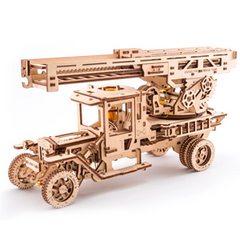 UGEARS - Fire Truck (Cosmetic damage to the box)