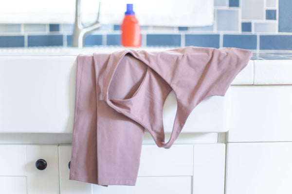 Can I put yoga clothes in washing machine