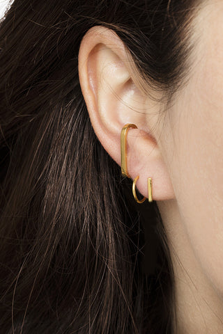 SINGLE BAR EAR CUFF - ROSA GULD