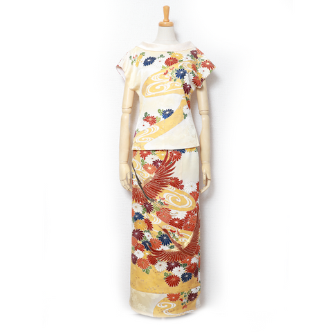 上品、雅な振袖Transformed Kimono Dress