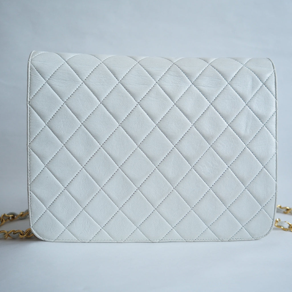 CHANEL Quilted CC Logo Lambskin Chain Shoulder Bag White vintage auth