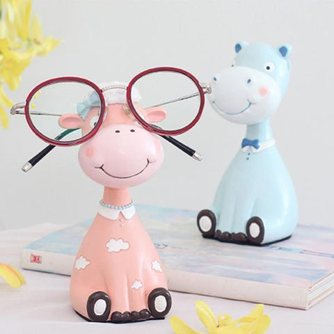Spectacle Stand Cows