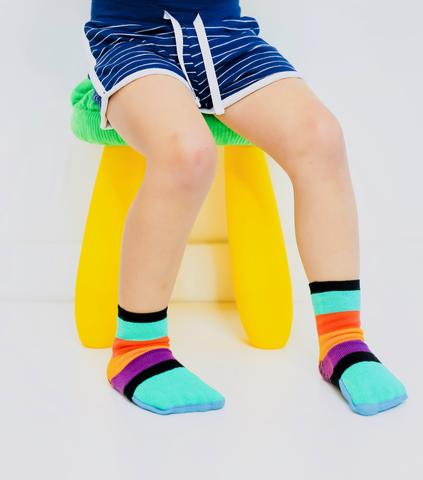 cool, seamless sock for kids that covers and uncovers toes for best traction and grip