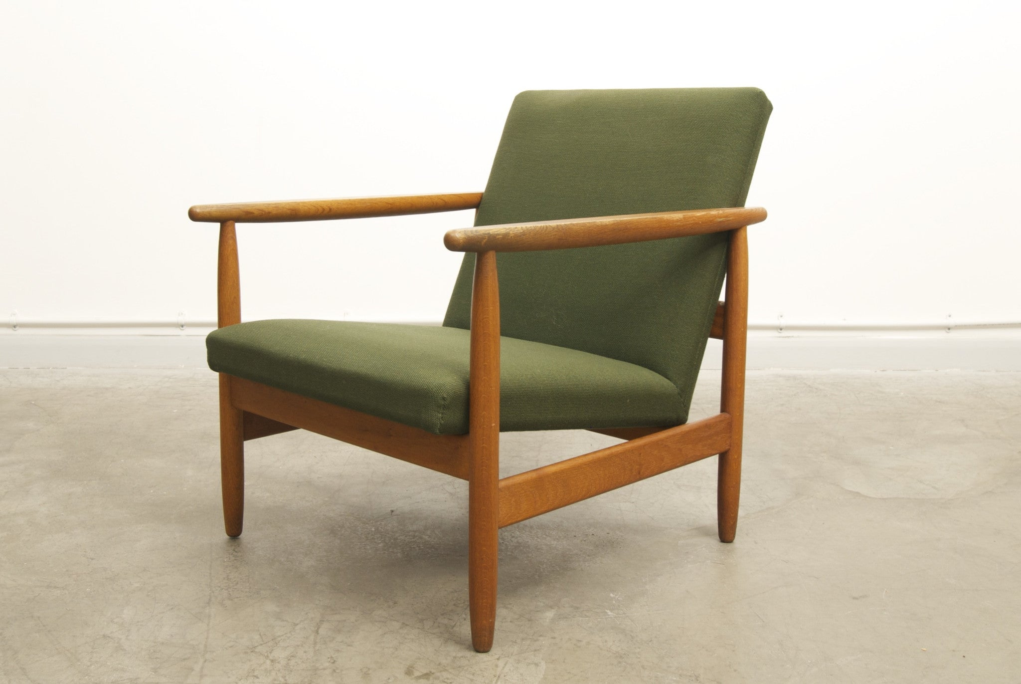 Oak and wool lounger by JÌürgen BÌ_kmark